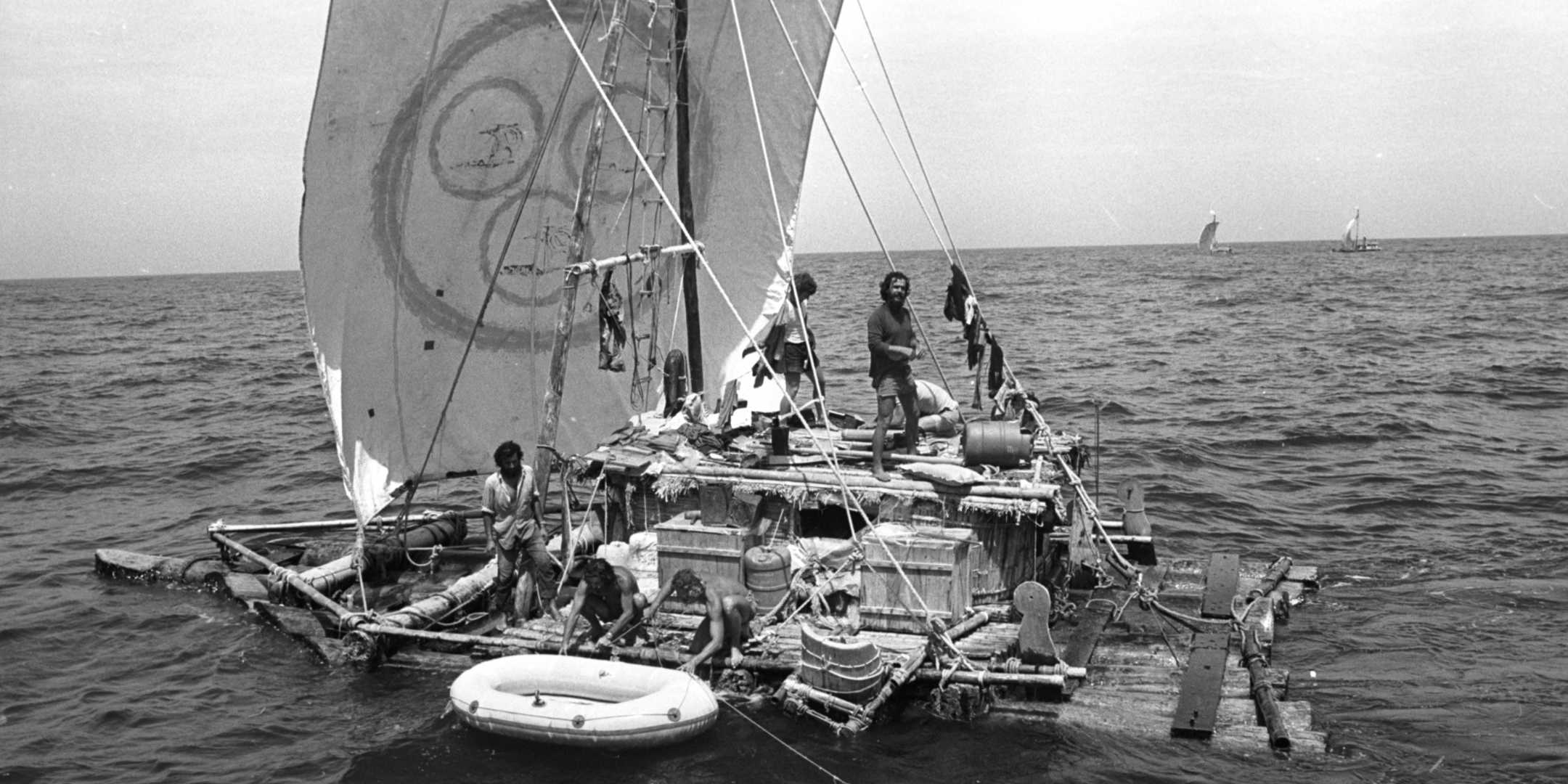 One of the Las Balsas rafts at sea, with the other two rafts in the background, 1973. Photograph by John Carnemolla. Image reproduced courtesy Ballina Naval & Maritime Museum
