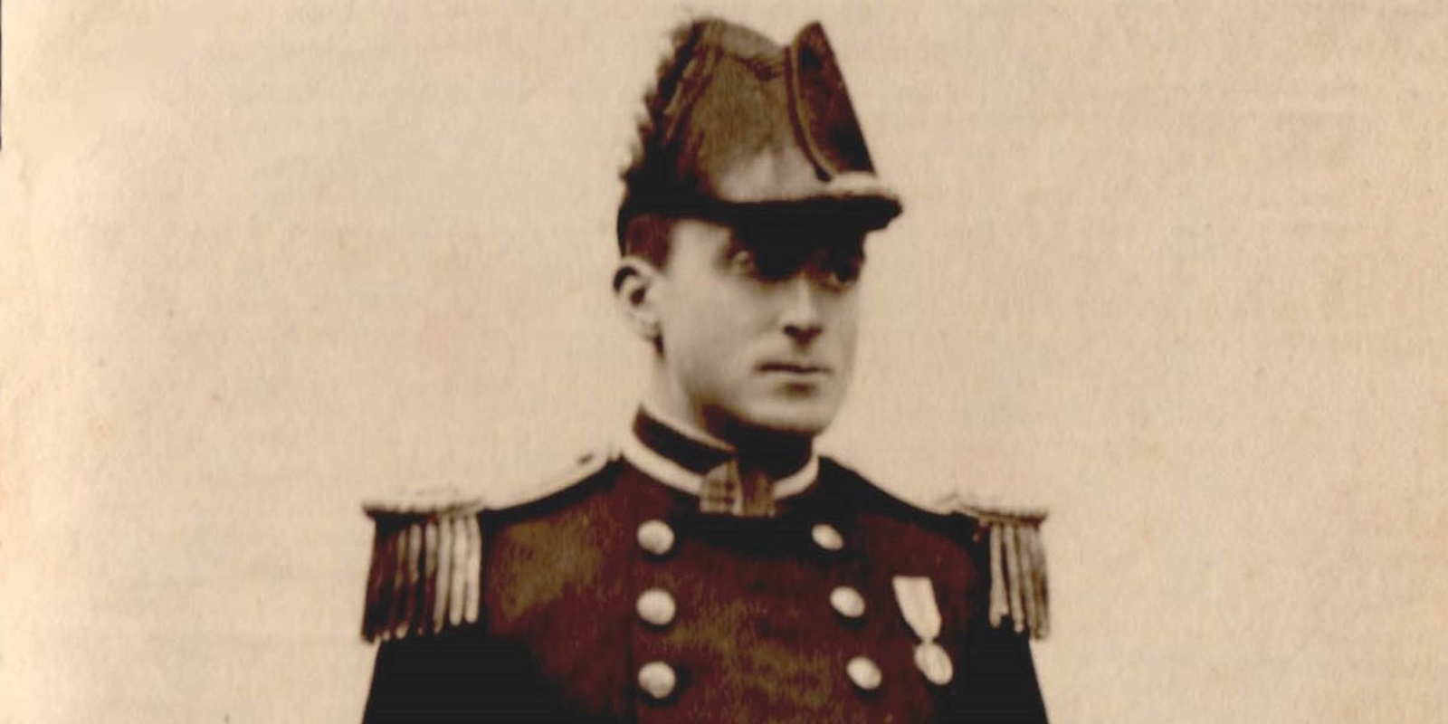 Arthur Pringle as a lieutenant in 1899. Image courtesy of Eliots of Port Eliot