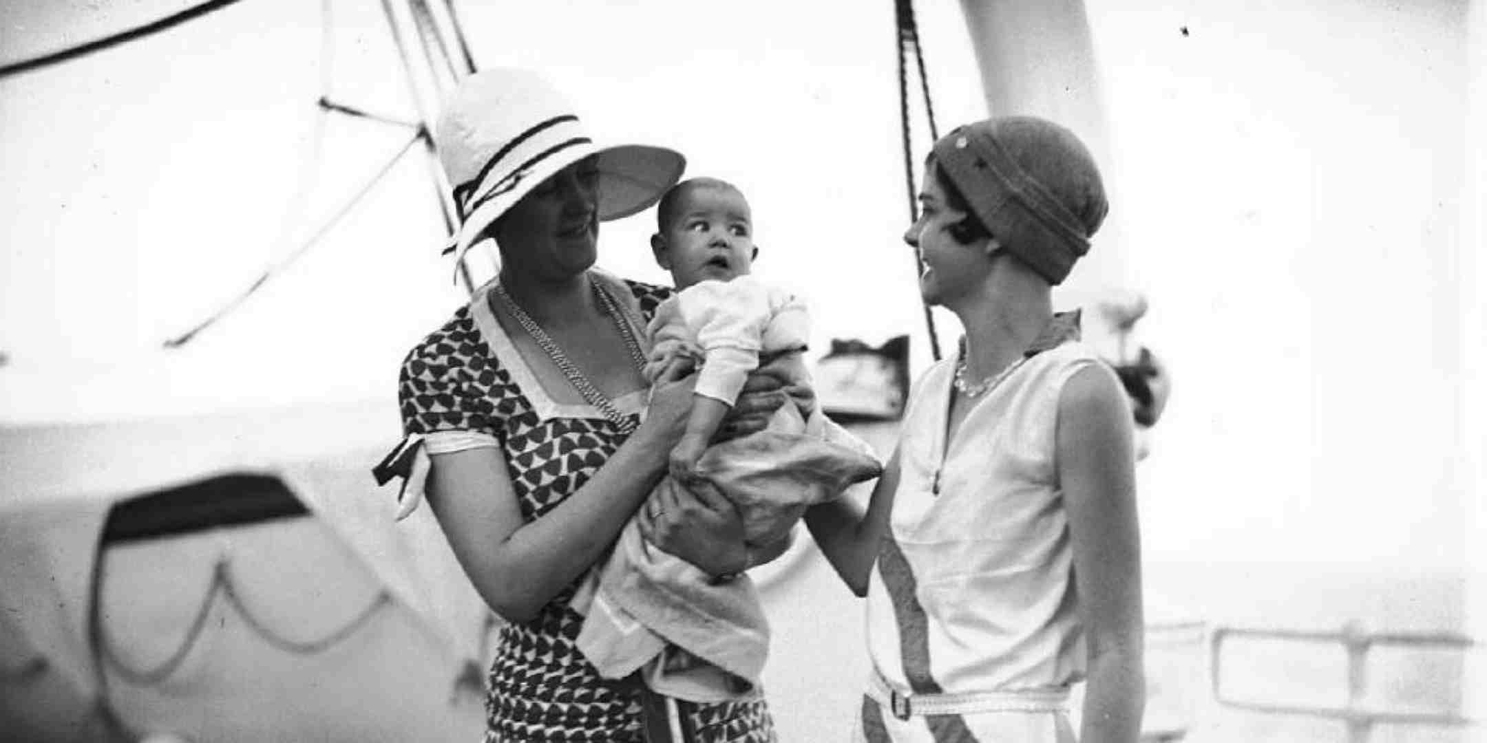 Two women and a baby. Photo: Samuel J Hood. ANMMCollection 00034602