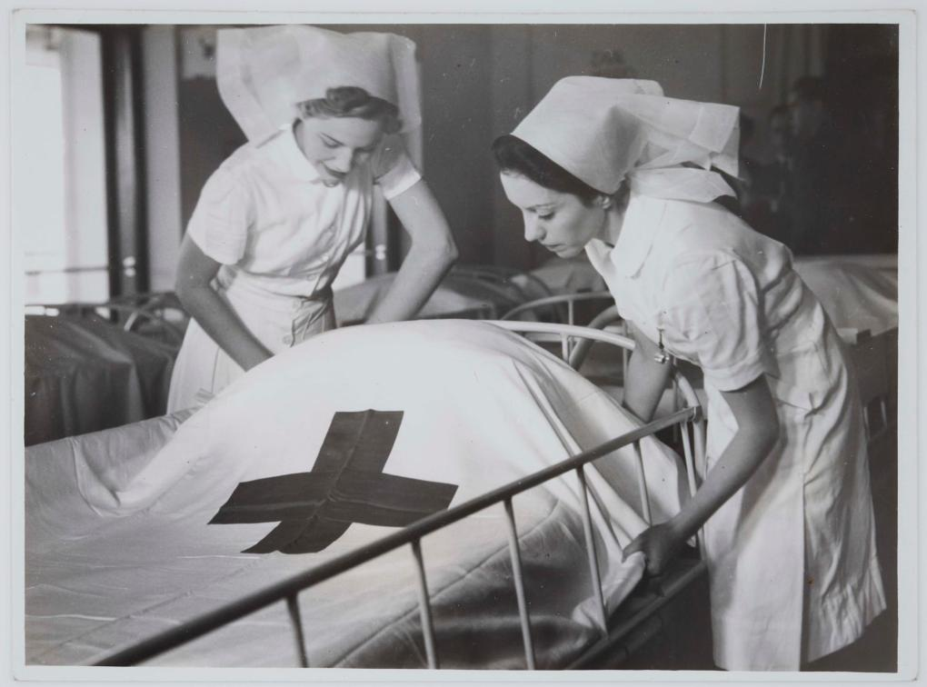 Two nurses on board hospital ship TSS Oranje II, 28 June 1941. Photographer: Samuel J Hood Studio, ANMM Collection 00021318