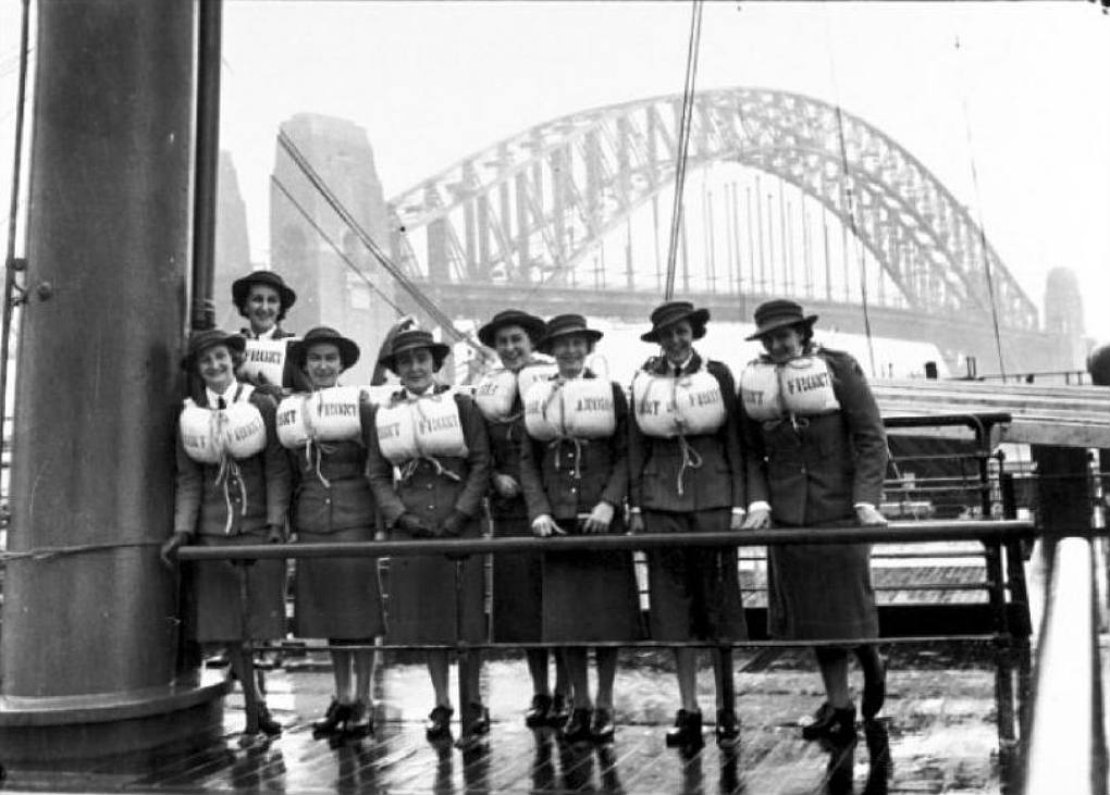 Australian nurses preparing to depart Sydney, May 1940. Photographer: Samuel J Hood Studio, ANMM Collection 00020450