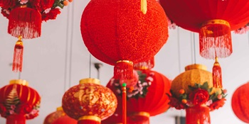 Lunar New Year. Humphrey Muleba, Unsplash