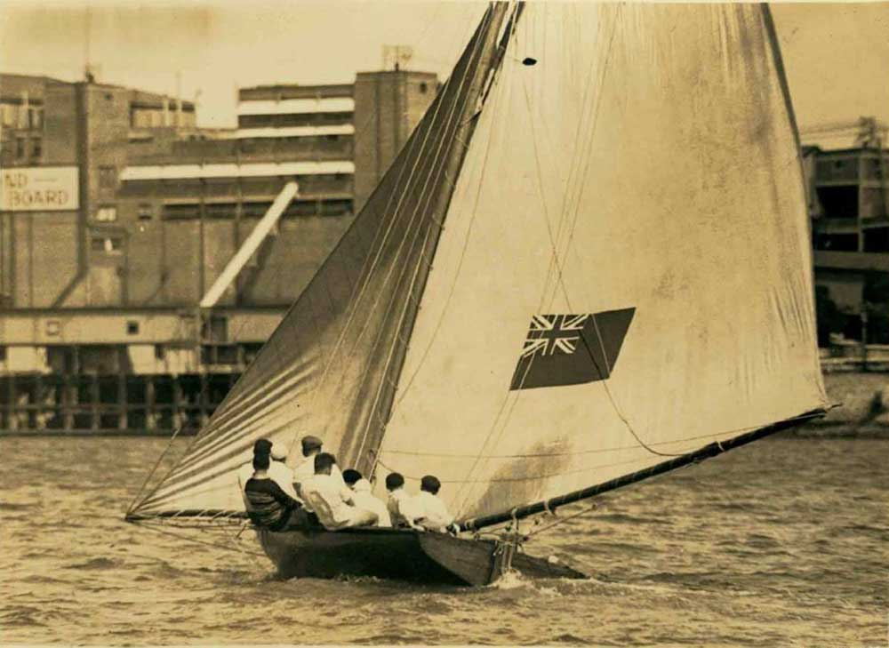 Britannia racing on Sydney Harbour. ANMM Collection ANMS1377036.