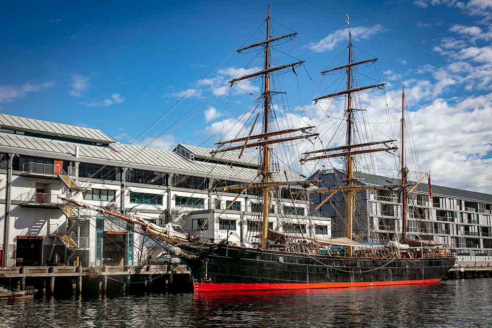 Tall Ship: James Craig 1874 alongside Wharf 7. Image: Australian National Maritime Museum.